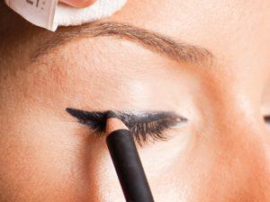satin-eyeliner