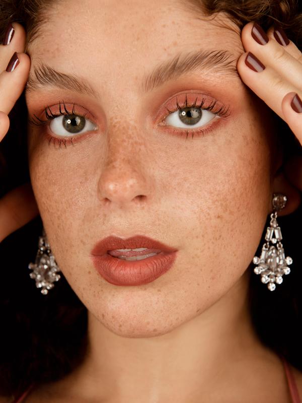 maquillaje-ojos-labios